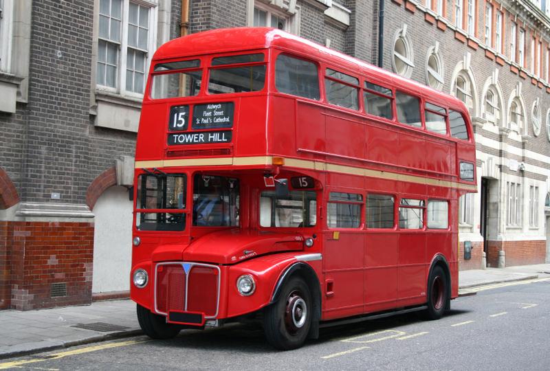 Projet d formation d 39 images et manipulation de perspective - Image de bus anglais ...